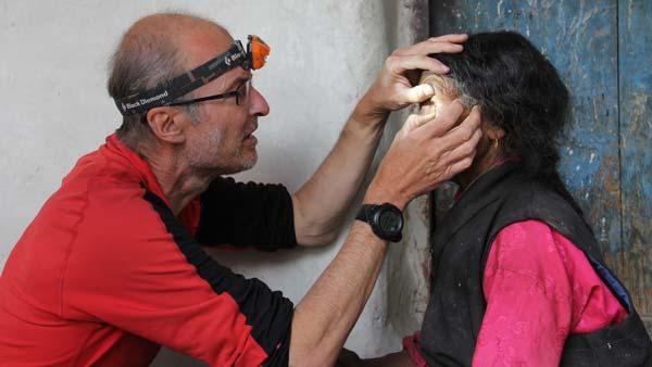 Nepal_Mustang_Guenter_als_Augenarzt_ko_IMG_9604_16x9