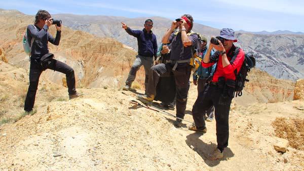Nepal_Mustang_Pass_auf_dem_Weg_nach_Khonchokling_BB_und_Team_ko_IMG_9580_16x9