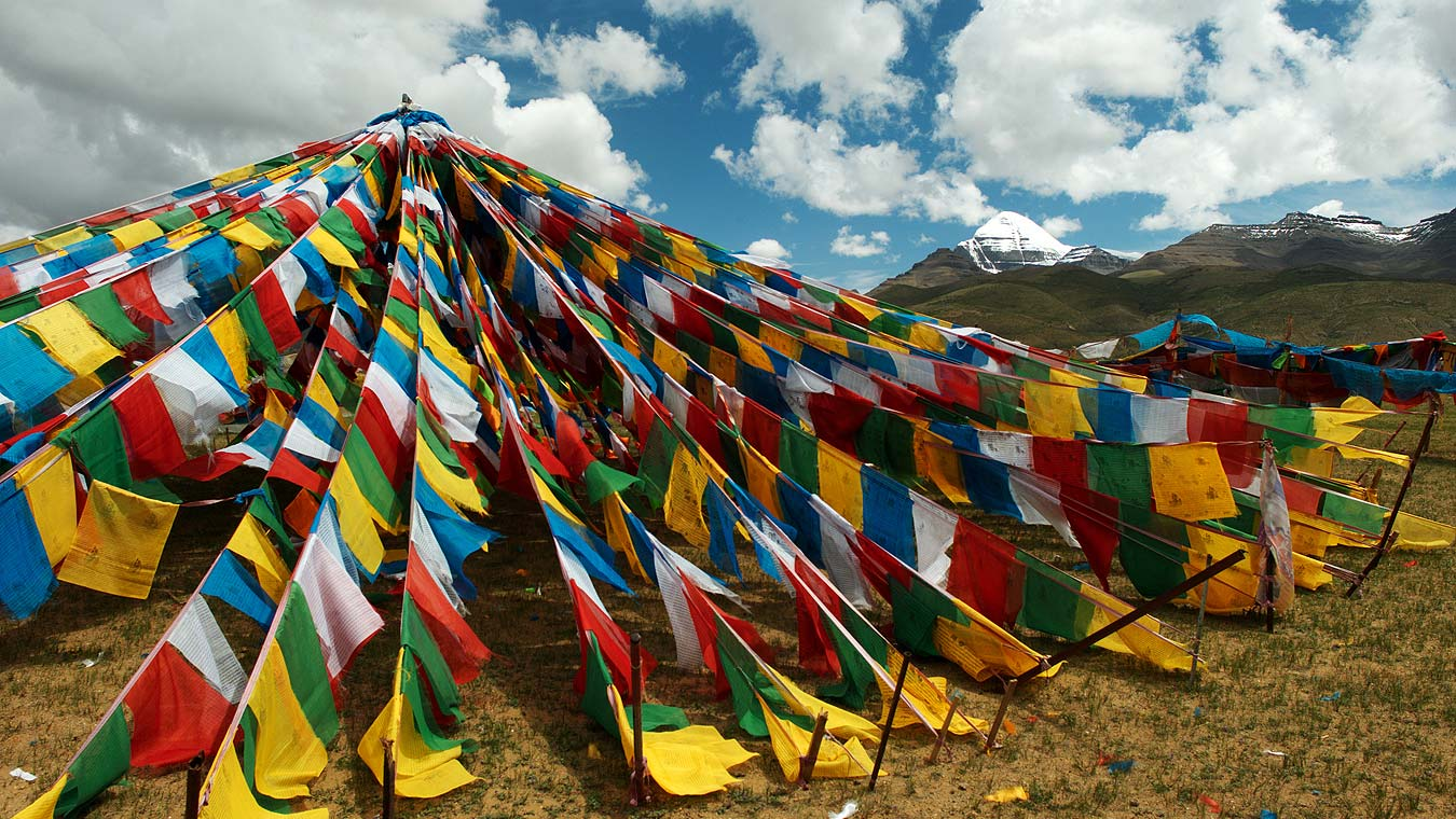 Tibet_Barka_Lhatse_in_front_of_Kailash_L1100448_web